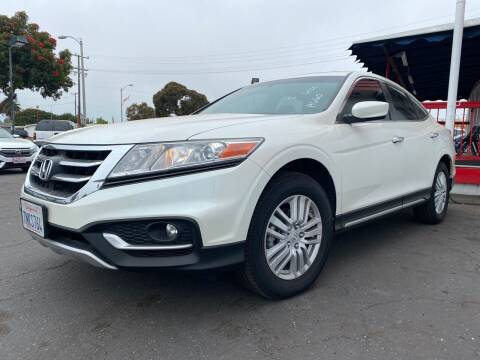 2015 Honda Crosstour for sale at Auto Max of Ventura in Ventura CA