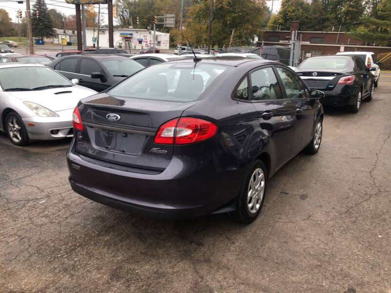 2013 Ford Fiesta SE 4dr Sedan - Youngstown OH