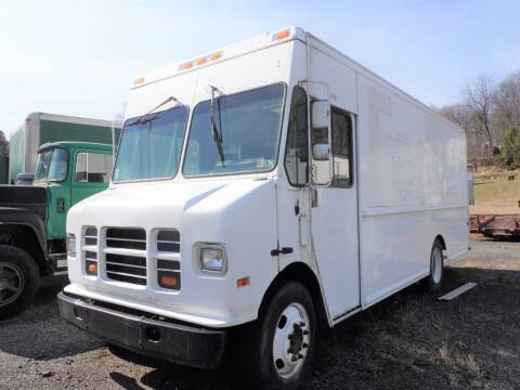2001 International P1000 for sale at Recovery Team USA in Slatington PA