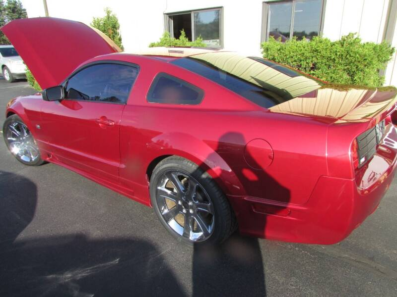 2005 Ford Mustang GT Premium 2dr Fastback - Black River Falls WI