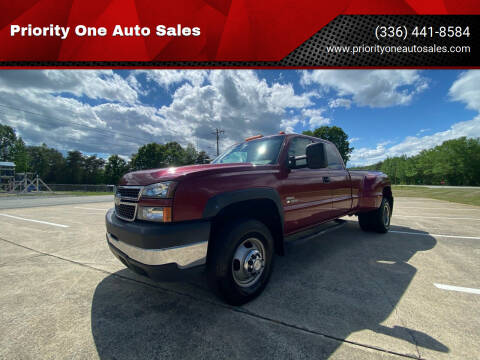 2007 Chevrolet Silverado 3500 Classic for sale at Priority One Auto Sales in Stokesdale NC