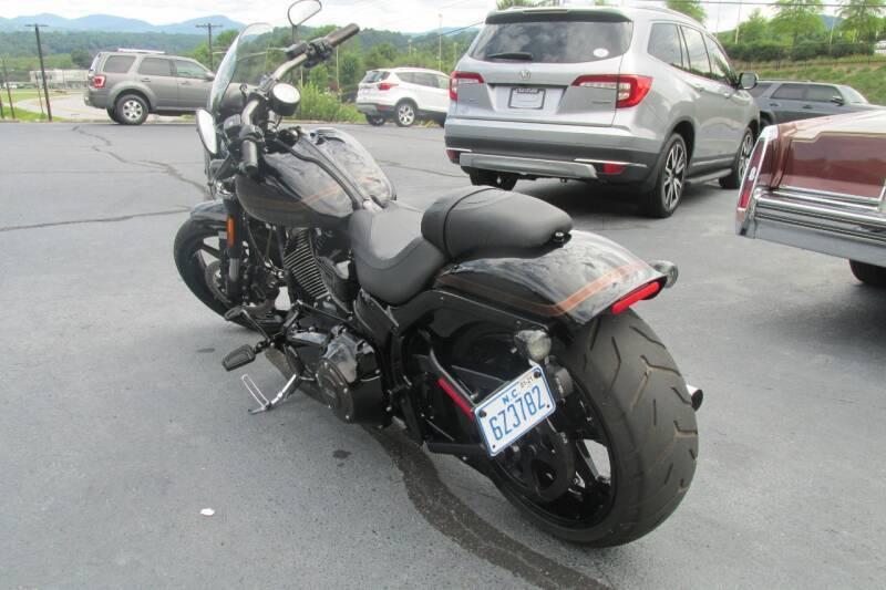 2016 Harley-Davidson FSXE-CVO PRO STREET BREAKOUT CVO - Wilkesboro NC