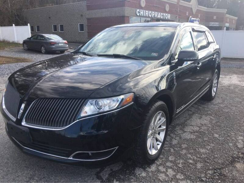 2016 Lincoln MKT Town Car for sale at THE AUTOMOTIVE CONNECTION in Atkins VA