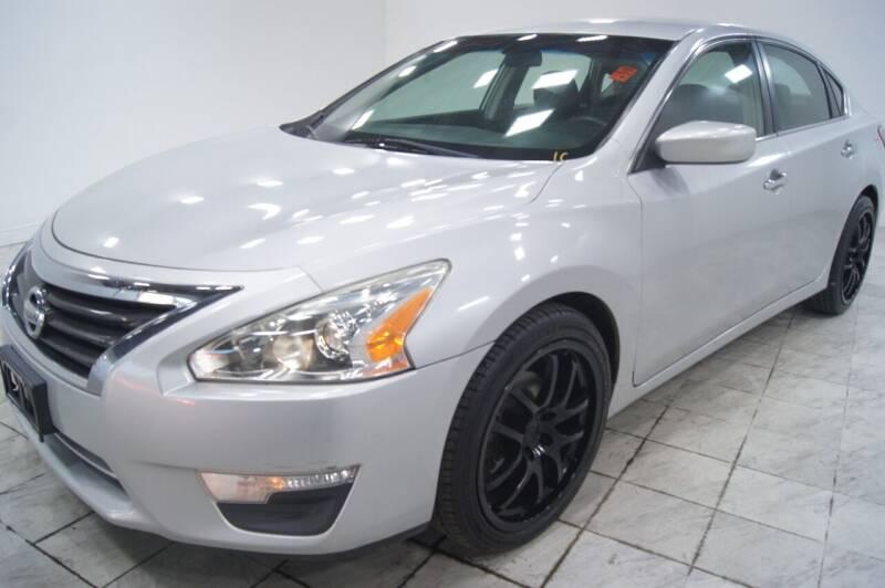 2013 Nissan Altima for sale at Sacramento Luxury Motors in Carmichael CA
