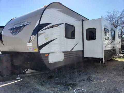 2019 Forest River Wildwood 31KQBTS for sale at Ultimate RV in White Settlement TX