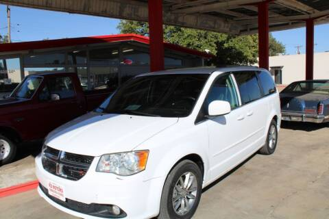 2015 Dodge Grand Caravan for sale at KD Motors in Lubbock TX