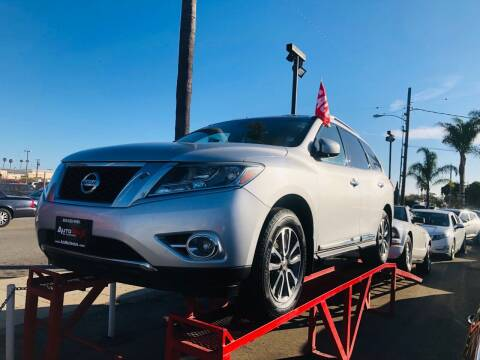 2013 Nissan Pathfinder for sale at Auto Max of Ventura in Ventura CA