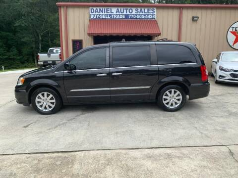 2015 Chrysler Town and Country for sale at Daniel Used Auto Sales in Dallas GA