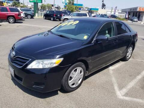 2010 Toyota Camry for sale at Showcase Luxury Cars II in Pinedale CA