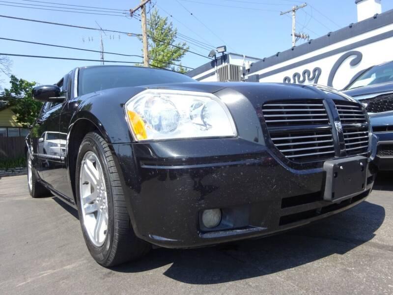 2005 Dodge Magnum for sale in West Allis, WI