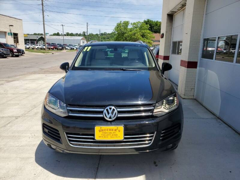 2011 Volkswagen Touareg for sale at Brothers Used Cars Inc in Sioux City IA