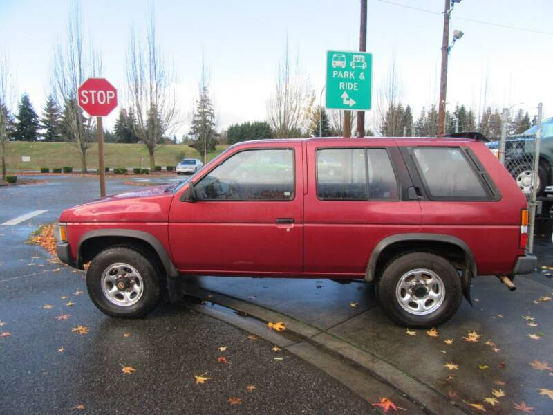 1993 Nissan Pathfinder for sale at Car Link Auto Sales LLC in Marysville WA