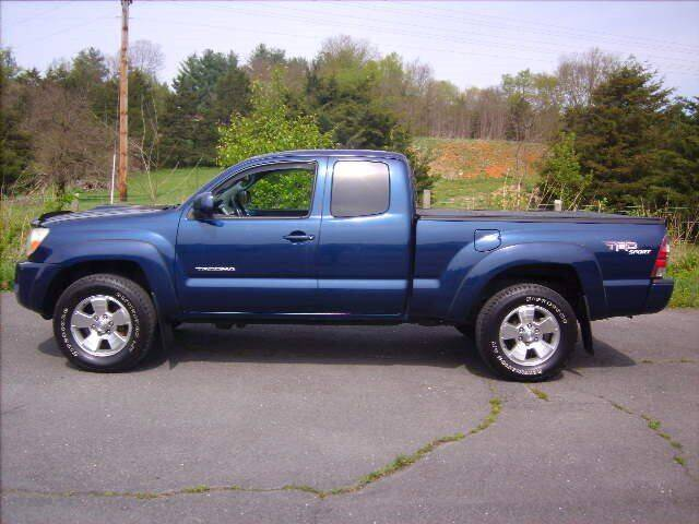 2005 Toyota Tacoma for sale at Broadway Motors LLC in Broadway VA