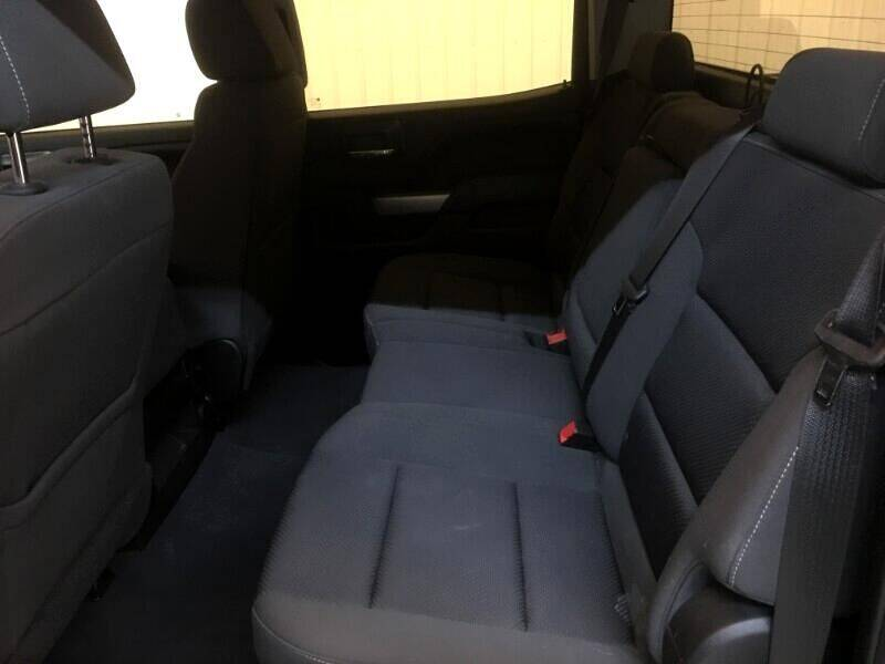 2018 Chevrolet Silverado 1500 4WD Crew Cab 143.5  LT w/1LT - Strasburg ND