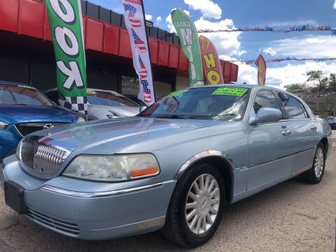 2005 Lincoln Town Car for sale at Duke City Auto LLC in Gallup NM