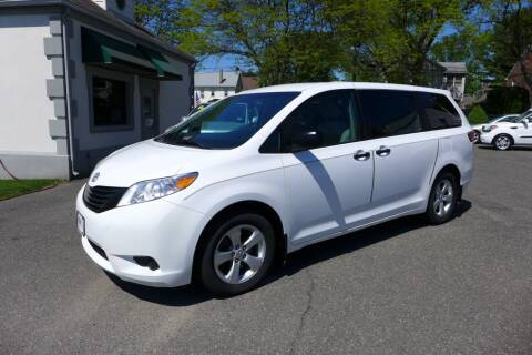 2017 Toyota Sienna for sale at FBN Auto Sales & Service in Highland Park NJ