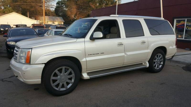 2005 Cadillac Escalade ESV for sale at B Quality Auto Check in Englewood CO