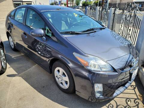 2011 Toyota Prius for sale at ZOOM CARS LLC in Sylmar CA