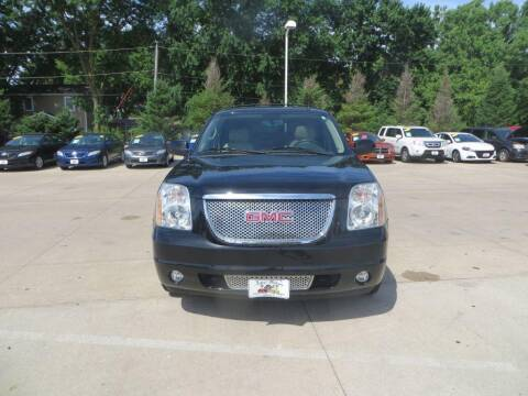 2014 GMC Yukon for sale at Aztec Motors in Des Moines IA