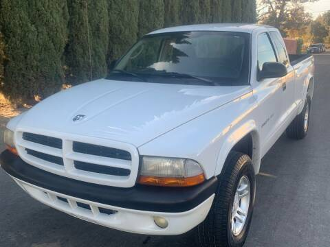 2002 Dodge Dakota for sale at River City Auto Sales Inc in West Sacramento CA