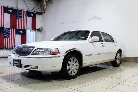 2003 Lincoln Town Car for sale at ROADSTERS AUTO in Houston TX