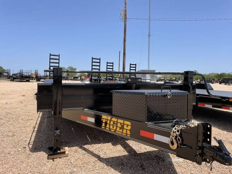 """2021 TIGER  - Drive Over Fender 102"""" for sale at LJD Sales in Lampasas TX"""