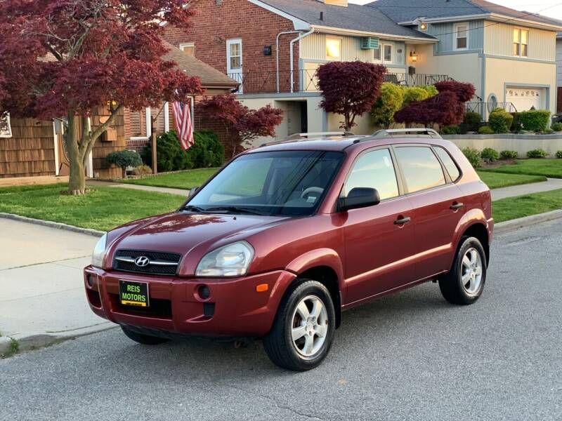 2008 Hyundai Tucson for sale at Reis Motors LLC in Lawrence NY