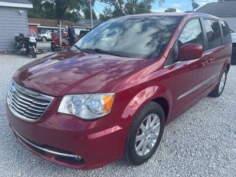 2013 Chrysler Town and Country for sale at Davidson Auto Deals in Syracuse IN