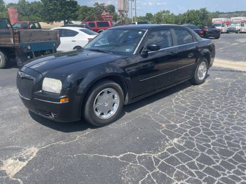 2005 Chrysler 300 for sale at EAGLE ROCK AUTO SALES in Eagle Rock MO