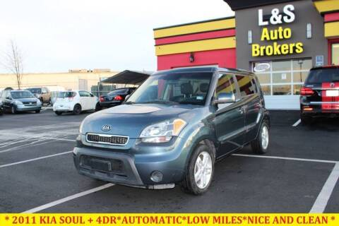 2011 Kia Soul for sale at L & S AUTO BROKERS in Fredericksburg VA