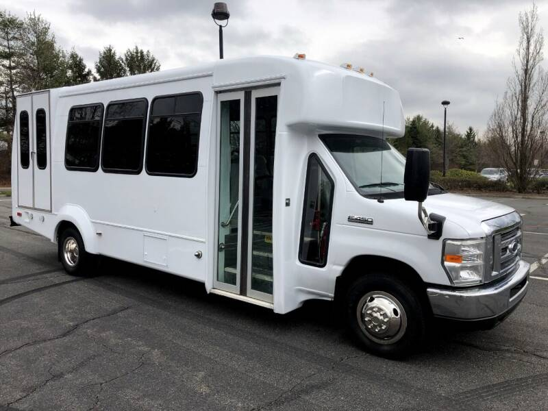 2012 Ford E-450 for sale in Westbury, NY