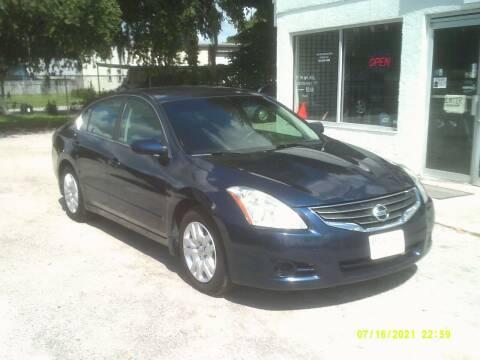 2010 Nissan Altima for sale at ROYAL MOTOR SALES LLC in Dover FL
