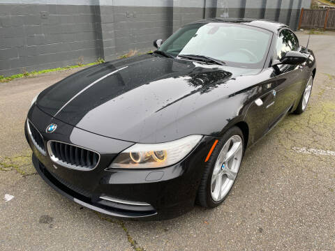 2011 BMW Z4 for sale at APX Auto Brokers in Lynnwood WA