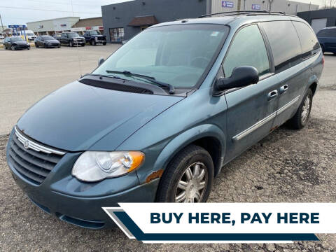 2006 Chrysler Town and Country for sale at Family Auto in Barberton OH