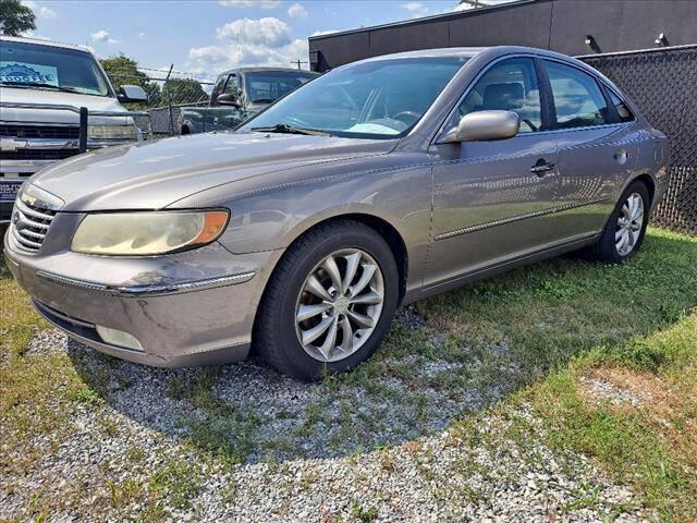 2006 Hyundai Azera for sale at PARKWAY AUTO SALES OF BRISTOL - Roan Street Motors in Johnson City TN