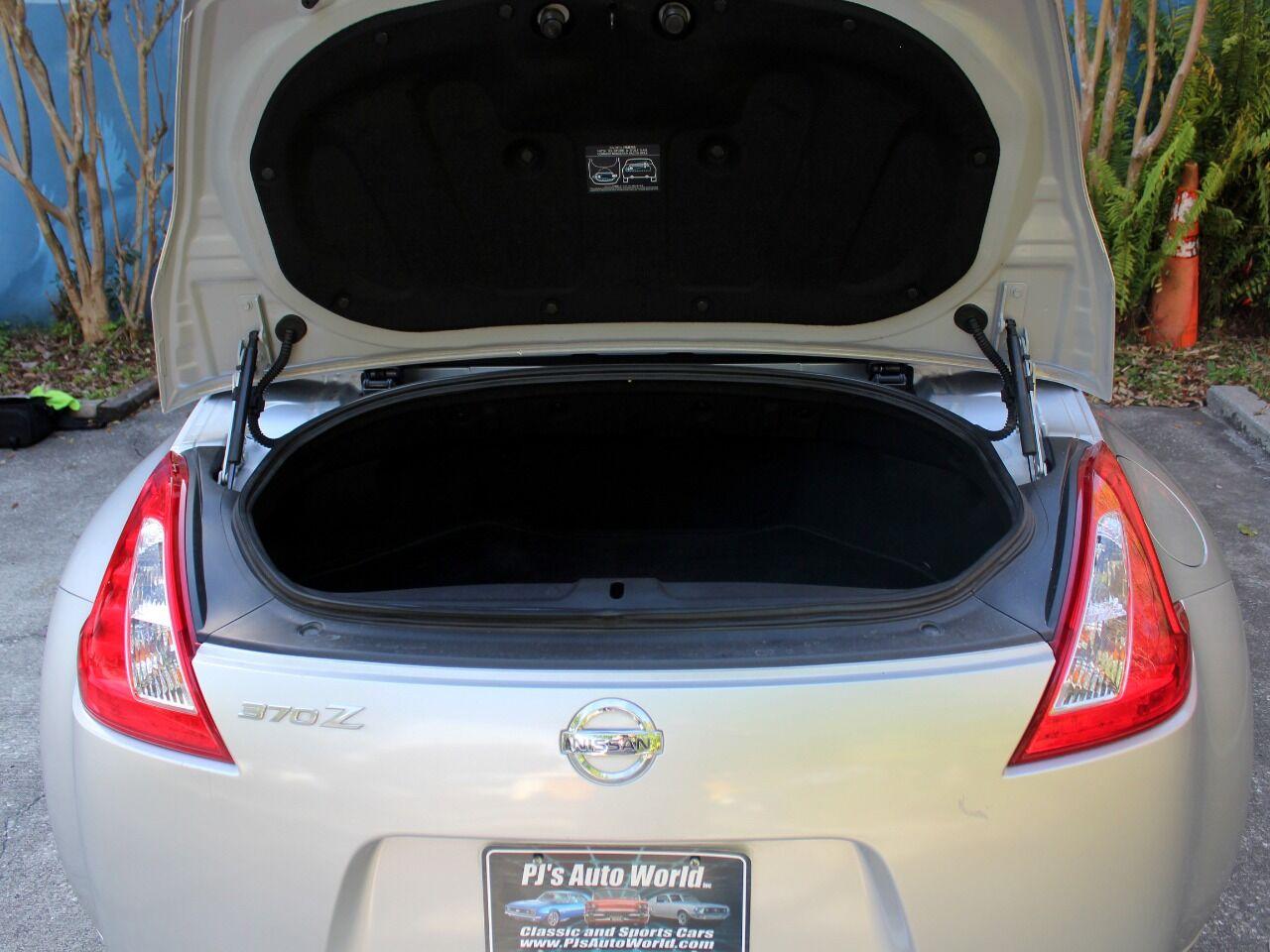 2010 Nissan 370Z 24