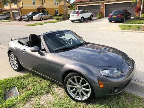 2006 Mazda MX-5 Miata for sale at Island Motor Cars in Nesconset NY