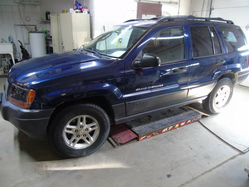 2004 Jeep Grand Cherokee for sale at C&C AUTO SALES INC in Charles City IA