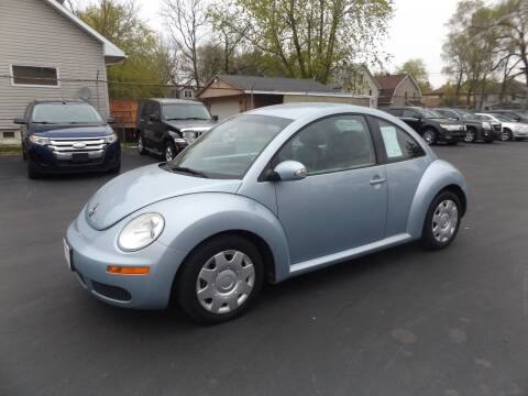 2010 Volkswagen New Beetle for sale at Goodman Auto Sales in Lima OH