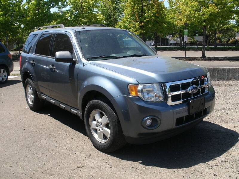 2011 Ford Escape for sale at D & M Auto Sales in Corvallis OR