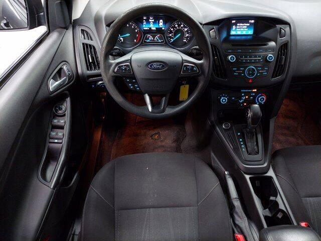 2017 Ford Focus SE 4dr Sedan - Essington PA