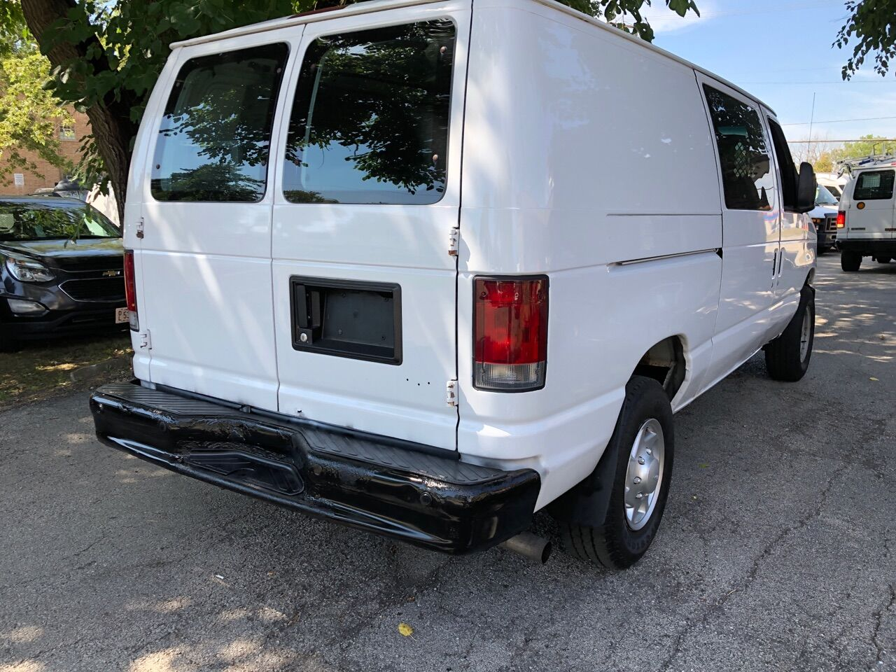 White 2011 FORD E-SERIES CARGO for sale in Bridgeview, IL Photo 10