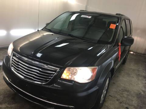 2013 Chrysler Town and Country for sale at Doug Dawson Motor Sales in Mount Sterling KY