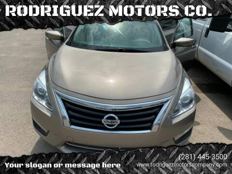 2014 Nissan Altima for sale at RODRIGUEZ MOTORS CO. in Houston TX