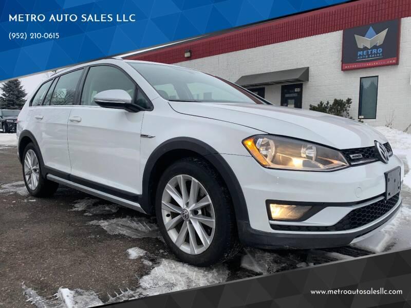 2017 Volkswagen Golf Alltrack for sale at METRO AUTO SALES LLC in Blaine MN