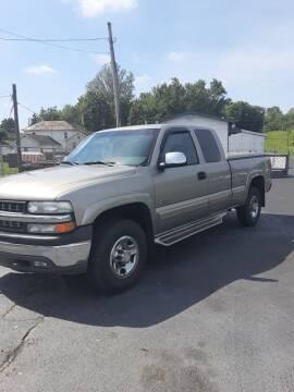 2000 Chevrolet Silverado 2500 for sale at Bates Auto & Truck Center in Zanesville OH