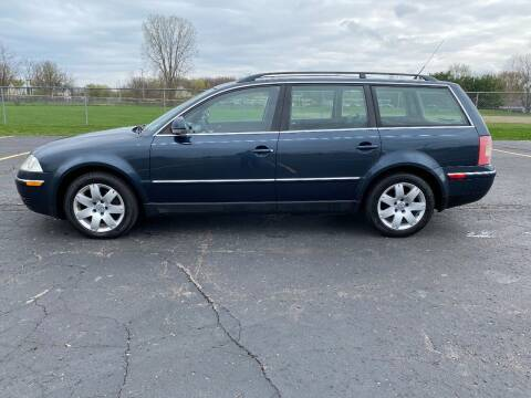 2005 Volkswagen Passat for sale at Caruzin Motors in Flint MI