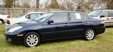 2004 Lexus ES 330 for sale at PINNACLE ROAD AUTOMOTIVE LLC in Moraine OH