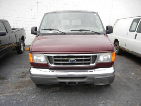 2006 Ford E-Series Wagon for sale at JORDAN AUTO SALES in Youngstown OH