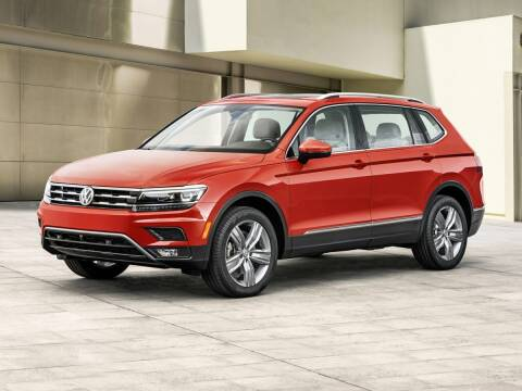 2018 Volkswagen Tiguan for sale at CHEVROLET OF SMITHTOWN in Saint James NY